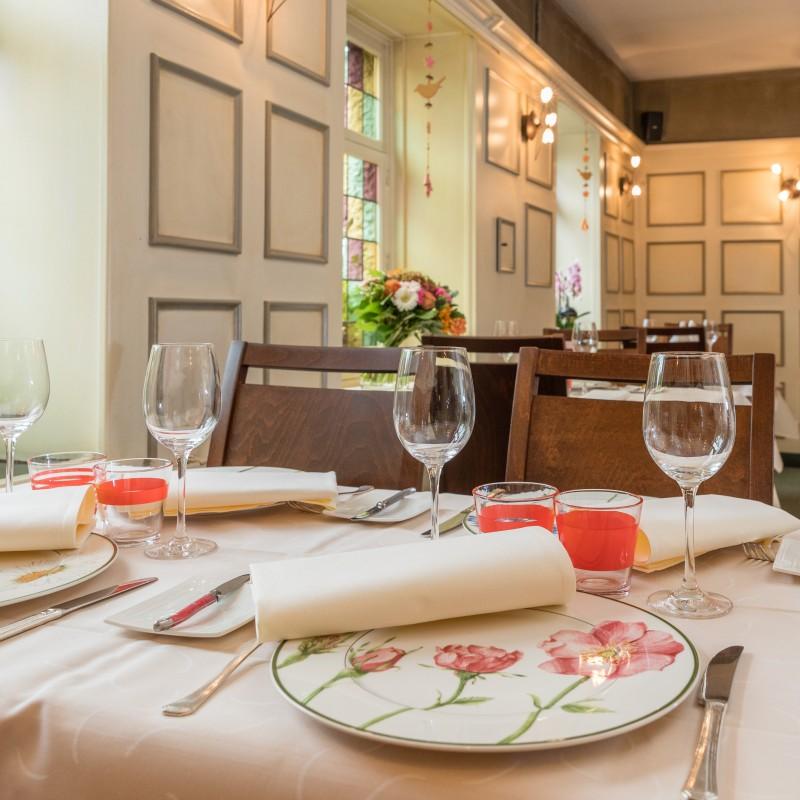 La Clochette Restaurant Hôtel à Celles